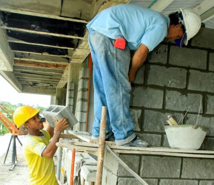 Construir viviendas para crear empleo