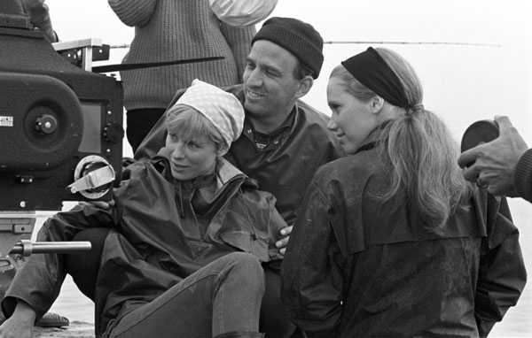 Bergman, Bibi Andersson y Liv Ullman en Persona (1966). El director, que ya había mantenido un breve affaire con Bibi, inicia su larga y accidentada relación con Liv.