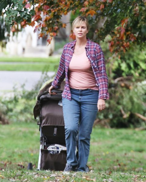 FAMEFLYNET - Charlize Theron Filming Tully In Vancouver