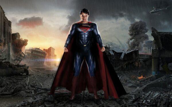 Henry Cavill dice que sigue siendo Superman pero Warner ya le ha encontrado sucesor 1