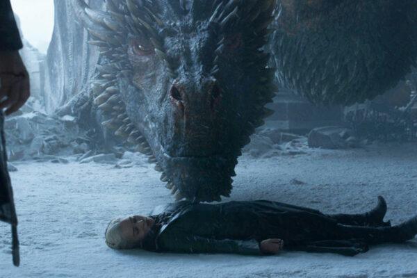 """¿Qué ocurrió con el cadáver de Daenerys? Los creadores de """"Juego de Tronos"""" lo explican"""