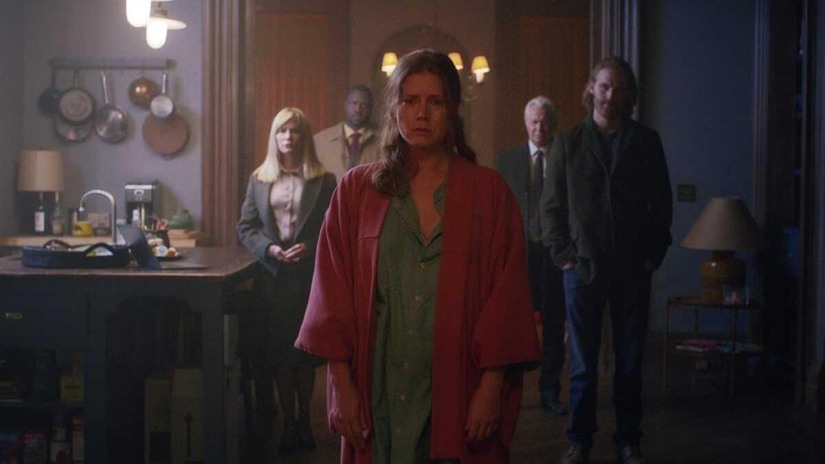 """Atentos al tráiler de """"La mujer en la ventana"""", la película más esperada de Netflix"""