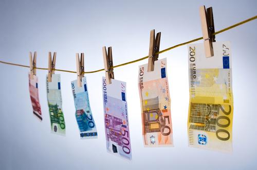 dinero_pensiones_no_declaradas