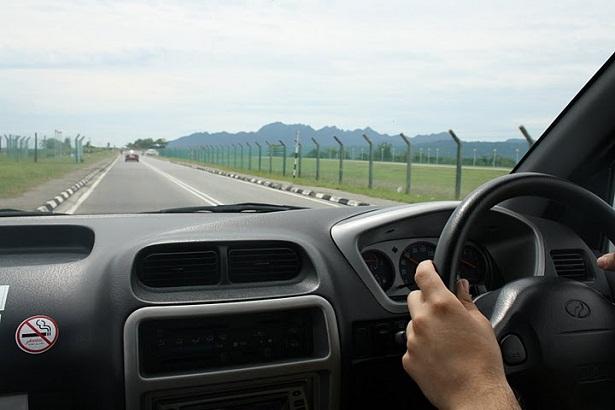 Consejos-para-conducir-por-la-izquierda-en-el-Reino-Unido