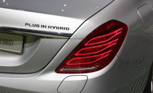 2015-mercedes-benz-s500-plug-in-hybrid-badge-and-taillight-photo-538845-s-1280x782