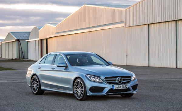 2015-mercedes-benz-c400-4matic-sedan-photo-579852-s-1280x782