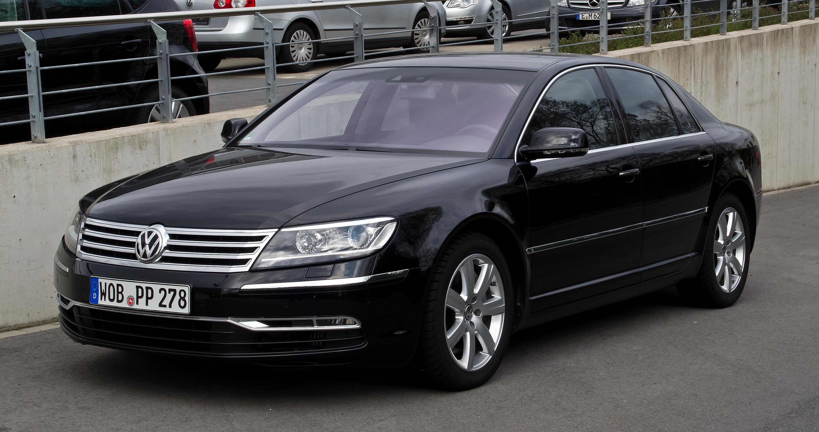 VW_Phaeton_3_0_V6_TDI_4MOTION_(2__Facelift)_–_Frontansicht,_1__April_2012,_Essen