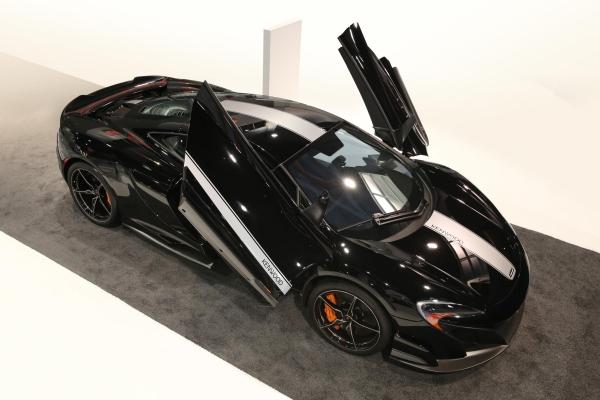 McLaren 675LT JVC Kenwood