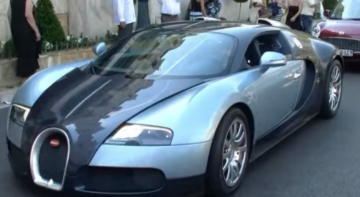 Girl driving Bugatti Veyron gives 500€ to the valet   YouTube