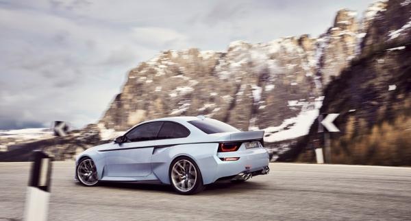 BMW-2002-Hommage