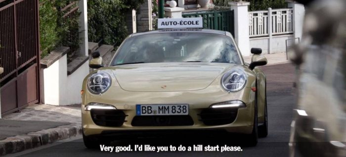 Una autoescuela con un Porsche 911