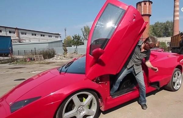 Un ucraniano construye su propio Lamborghini Reventon