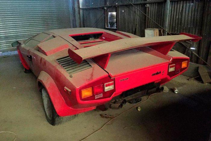 Encuentran dos Lamborghini Countach en un granero