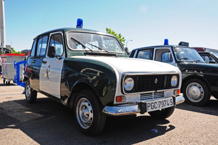 Coches de policía clásicos: el Renault 4 de la Guardia Civil
