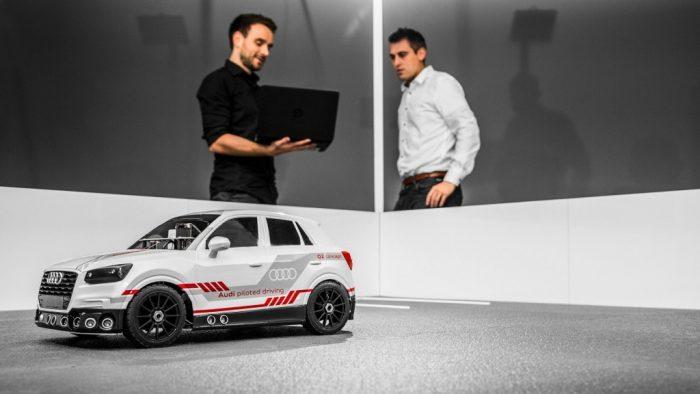 Un Audi Q2 autónomo con inteligencia artificial de auto-aprendizaje