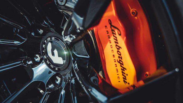 Forgiato-Liquid-Metal-is-a-shiny-Lamborghini-Huracan-5