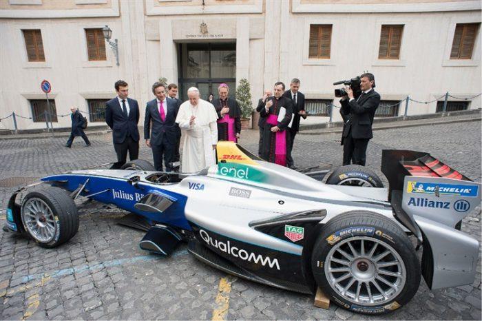 La Fórmula E y la bendición del Papa Francisco