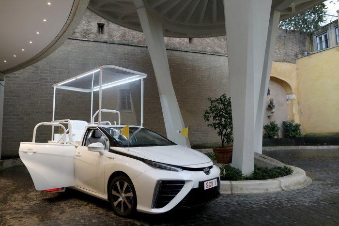 El nuevo Papamóvil: un Toyota Mirai con motor de hidrógeno