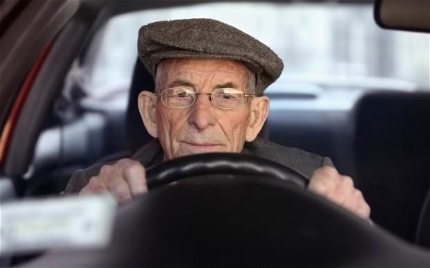 """Una """"M"""" para los conductores más viejos"""