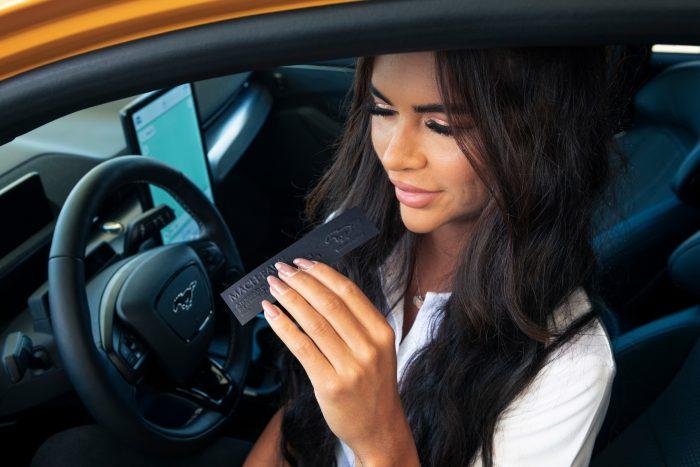 Mach-Eau de Ford, un perfume para facilitar la transición a los coches eléctricos
