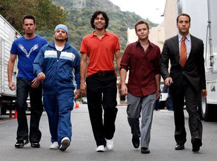 the-entourage-walking