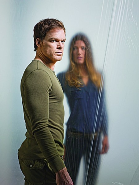 http://www.seriesadictos.com/wp-content/uploads/2012/09/dexter-season-7-another-secret-lies-on-table-450x598.jpg