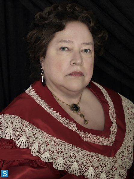 American Horror Story - Season 3 - New Set of Cast Promotional Photos (5)_595_slogo