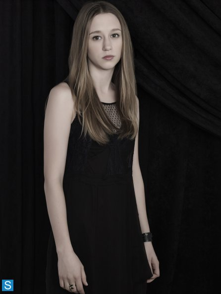 American Horror Story - Season 3 - New Set of Cast Promotional Photos (9)_595_slogo