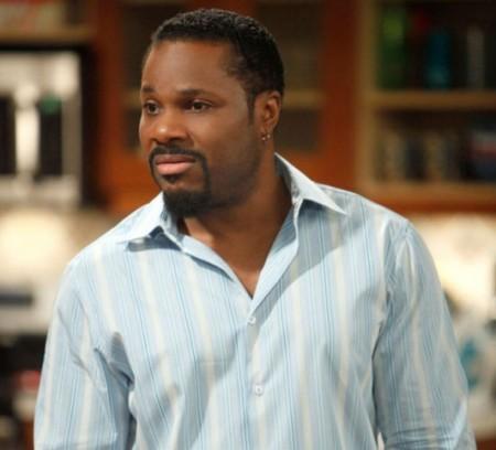Major-Crimes-saison-2-Malcolm-Jamal-Warner-dans-deux-episodes_portrait_w532