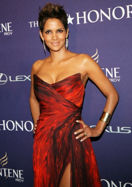halle-berry-bet-honors-2013-02