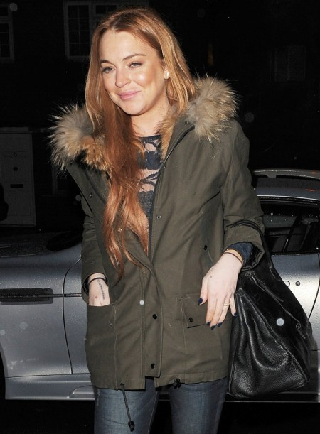 lindsay-lohan-leaves-the-private-residence-01