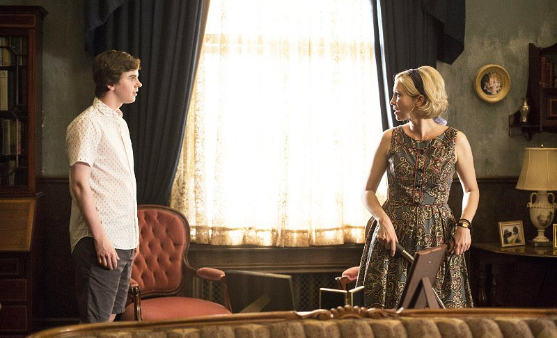 a-and-e-renews-bates-motel-for-season-3