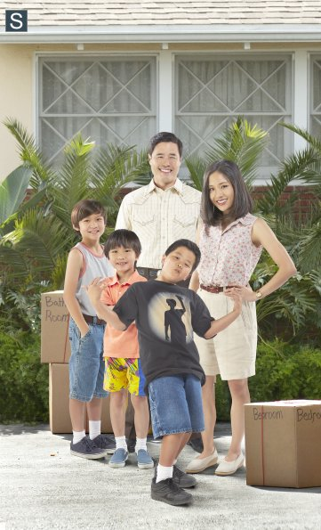 Fresh Off the Boat - Group Cast Promotional Photo_595_slogo
