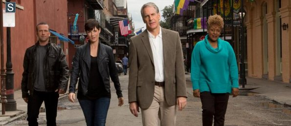 NCIS New Orleans - Group Cast Promotional Photo_595_slogo