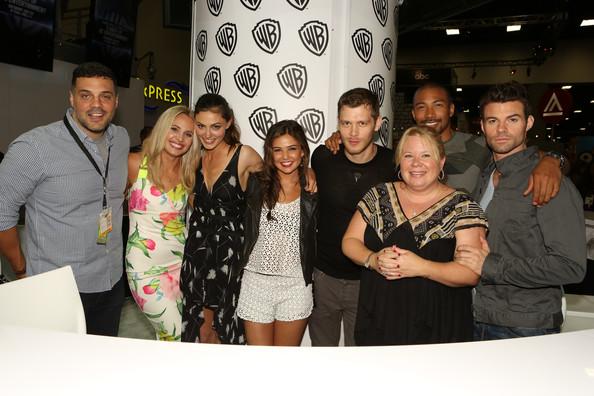 Julie+Plec+Warner+Bros+Comic+Con+International+f7SFVkMtcs_l