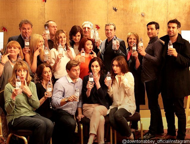 downton-abbey-cast-pokes-fun-at-plastic-water-bottle-gaffe