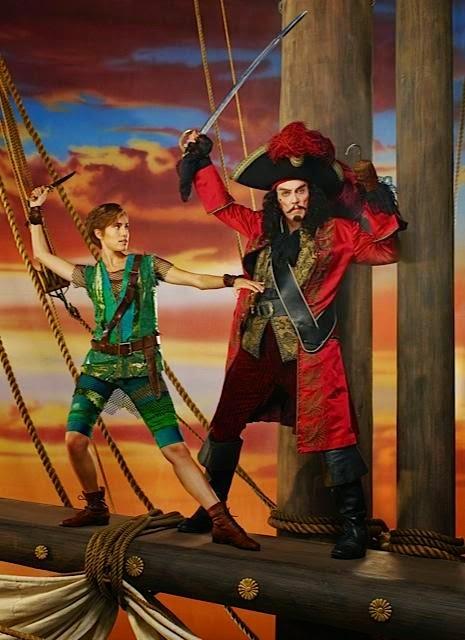 Christopher Walken Unrecognizable As Captain Hook In NBC's