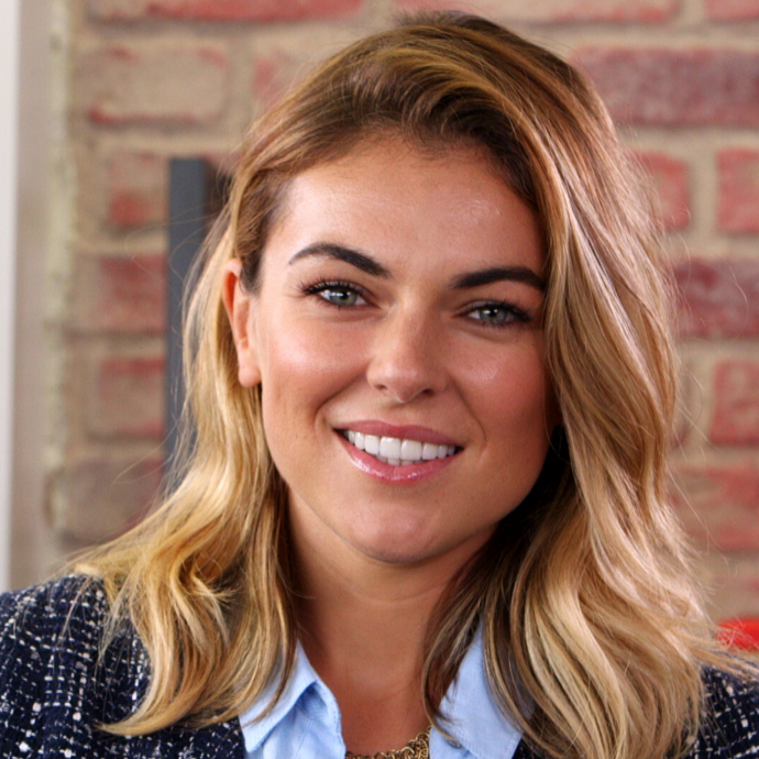 Serinda-Swan-Graceland-Season-2-Interview.jpg