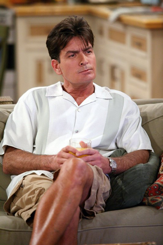 charlie-sheen-making-approach-to-return-on-two-and-a-half-men-finale