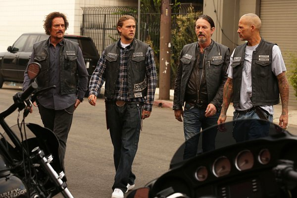 kurt-sutter-apologizes-after-sons-of-anarchy-ending-is-spoiled
