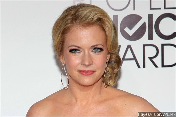 melissa-joan-hart-lands-guest-stint-on-the-mysteries-of-laura