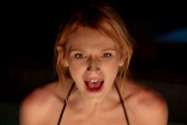 scream-tv-series-bella-thorne-among-the-first-victims