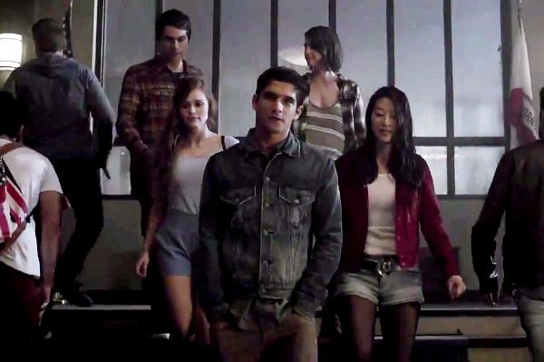 teen-wolf-season-5-scott-and-co-face-bigger-danger-in-senior-year