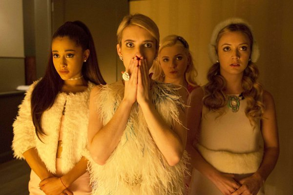 scream-queens-gets-premiere-date-casts-ariana-grande-s-mom