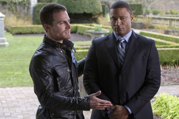 oliver-queen-stephen-amell-and-john-diggle-david-ramsey-116396