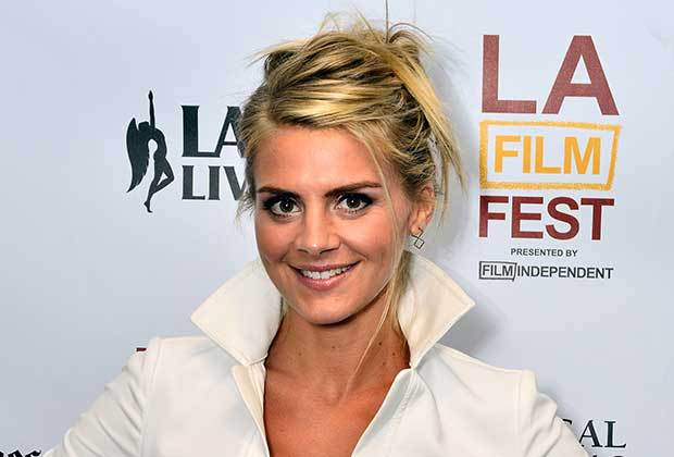 eliza-coupe-the-mindy-project