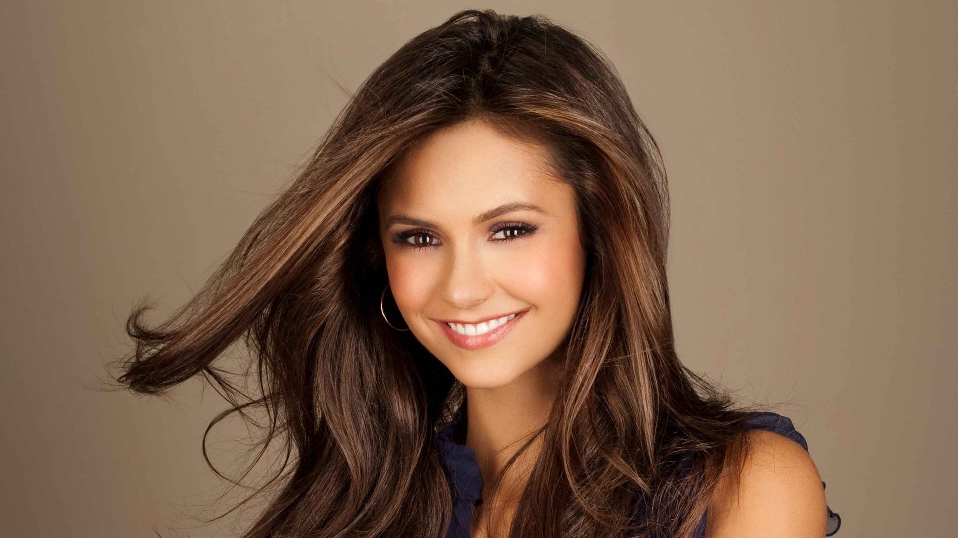Nina Dobrev earned a unknown million dollar salary, leaving the net worth at 6 million in 2017