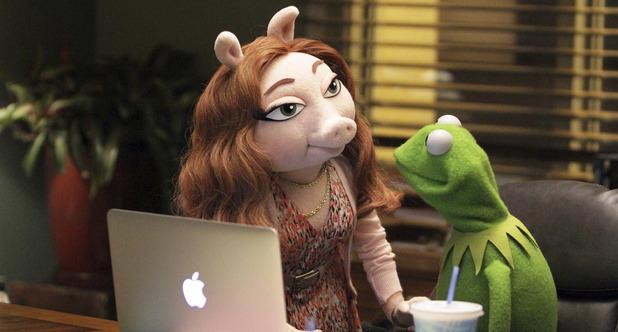 ustv-the-muppets-s01e01-still-04