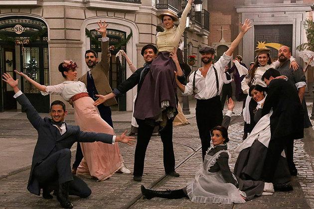 los-actores-de-acacias-38-bailan-por-navidad_slideshow_principal_secundario