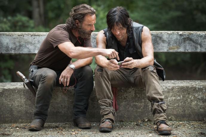 The Walking Dead: Andrew Lincoln sufre una broma muy pesada de ...